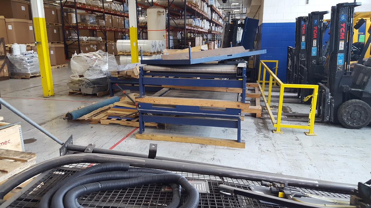 Lantech Automatic Pallet Wrapper