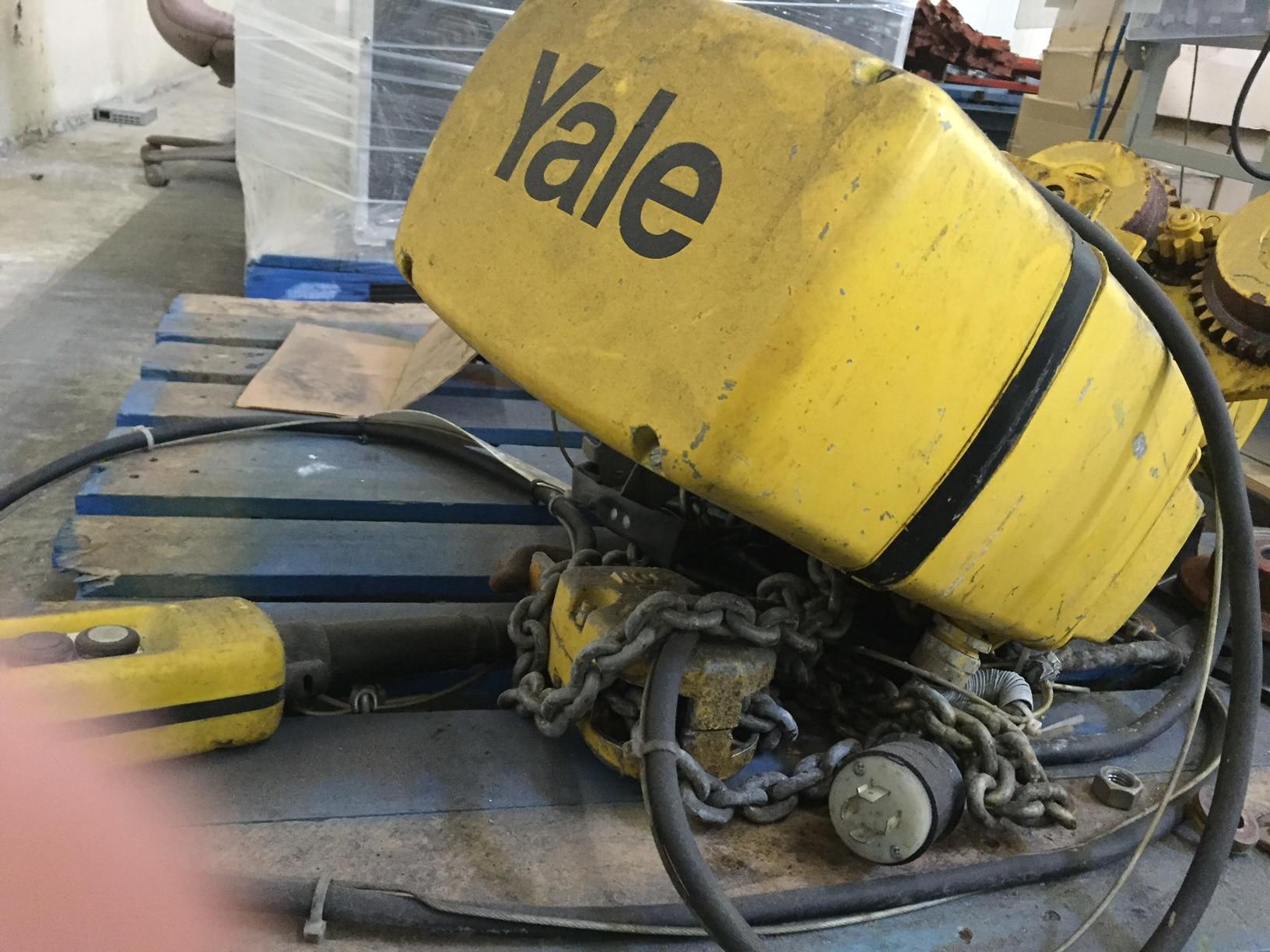 Yale-2-Ton-Hoist-4